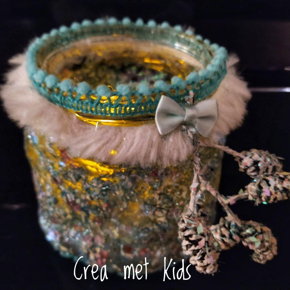Sticky Clay met Glittermix op een jampotje - Crea met Kids