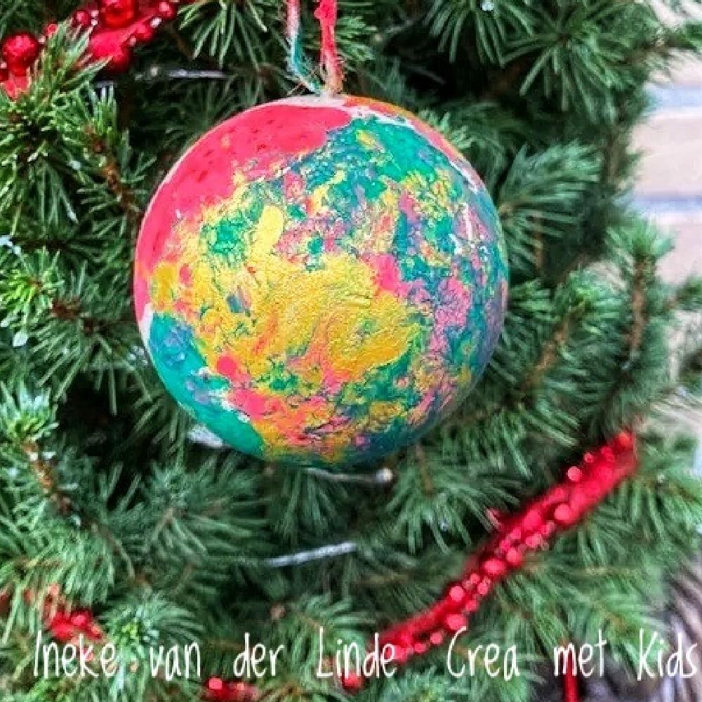 510313 Kerstballen verven met kleine kids - Crea met kids