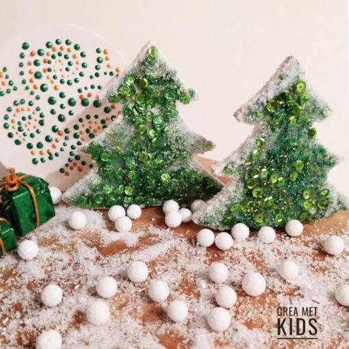 vb 818 MDF Kerstboompjes met pailletten - Crea met Kids