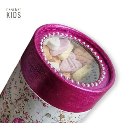 vb FDA570 en Magenta Metallicverf_01 Doosje met snoepjes - Crea met Kids